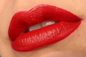 Czerwone szminki do uwodzicielskich ust